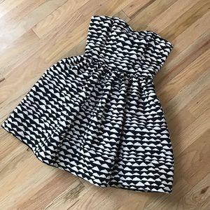 Forever 21 Strapless Black and White Dress